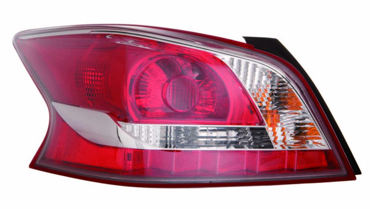 Nissan Altima sedan 2013 tail light left driver