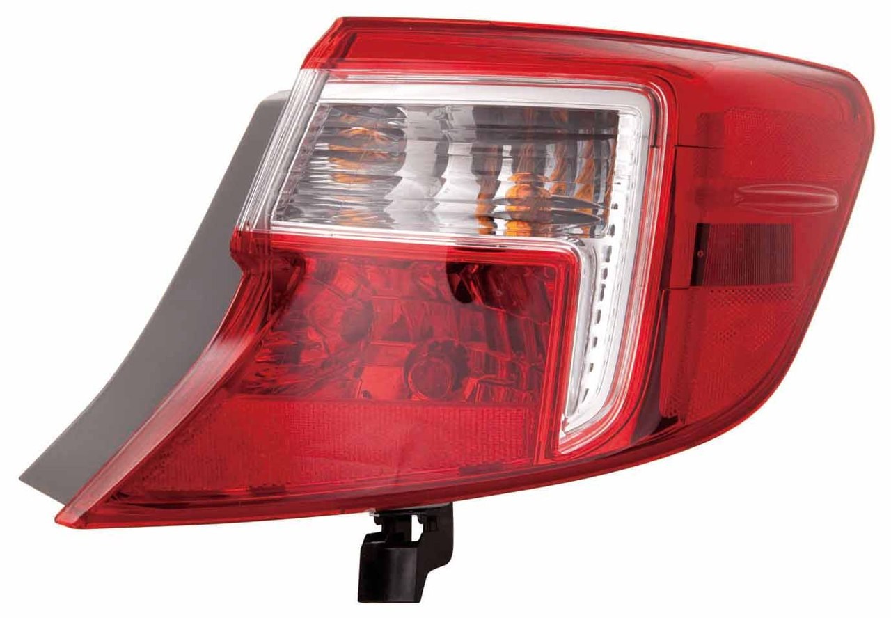 Toyota Camry 2012 2013 2014 tail light outer right passenger