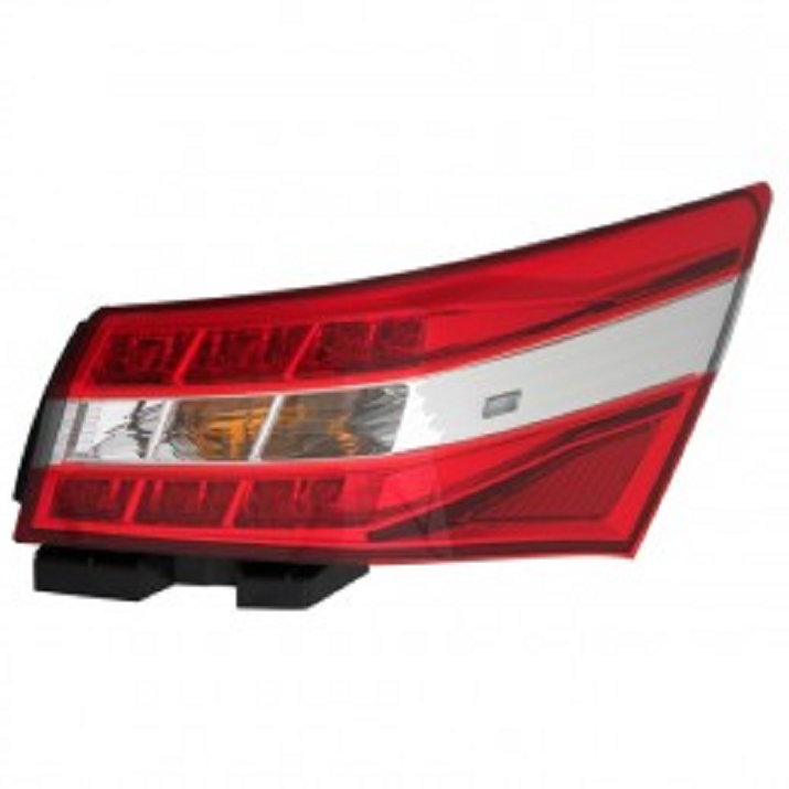 Toyota Avalon 2013 2014 2015 tail light outer right passenger