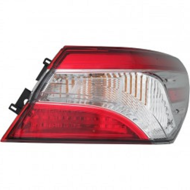 Toyota Camry 2018 2019 tail light outer right passenger L, LE models