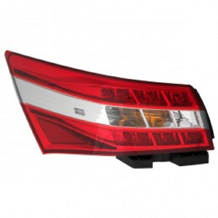 Toyota Avalon 2013 2014 2015 tail light outer left driver