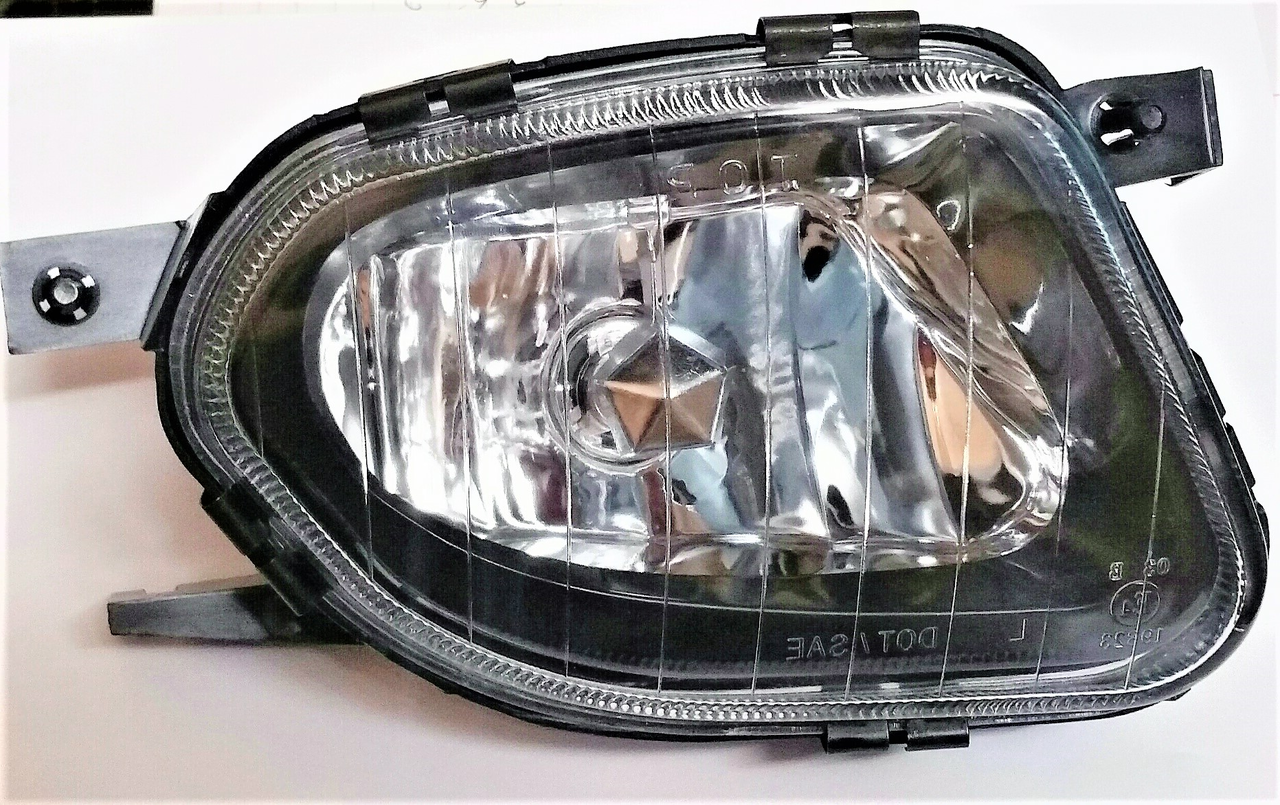 Mercedes Benz E320 E500 sedan & wagon 2003 2004 2005 2006 fog light right passenger W211