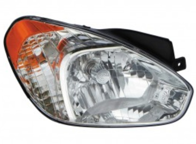 Hyundai Accent hatchback 2007 2008 2009 2010 2011 right passenger headlight