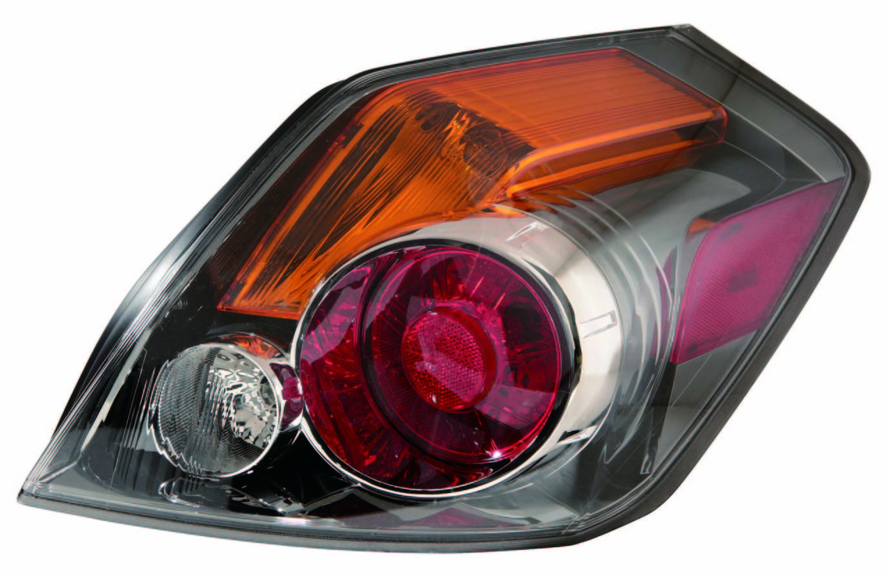 Nissan Altima Sedan 2010 2011 2012 tail light right passenger