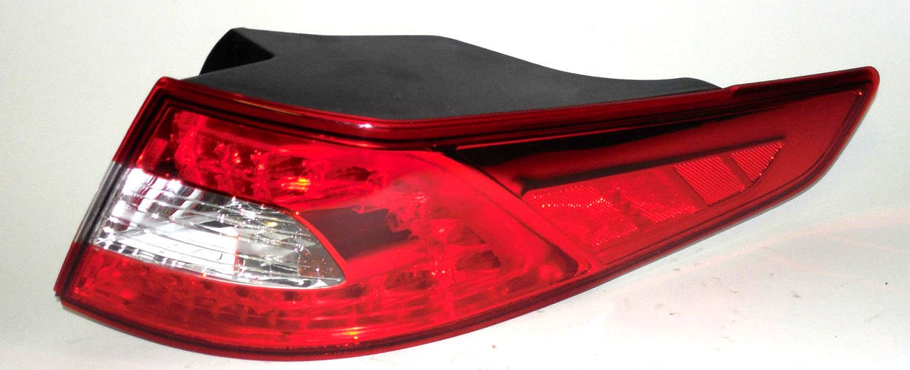 Kia Optima 2011 2012 2013 tail light outer right passenger SX model