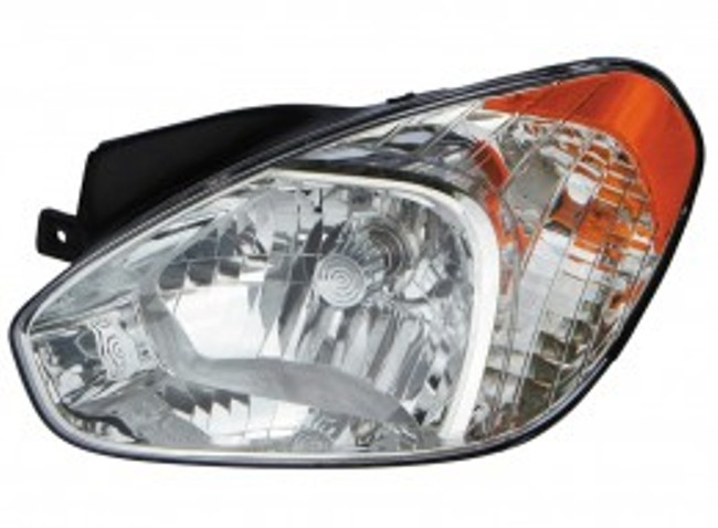 Hyundai Accent sedan / hatchback 2006 left driver headlight