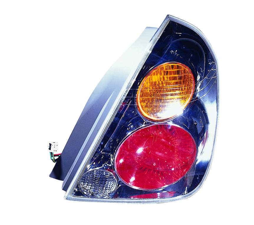 Nissan Altima Sedan 2002 2003 2004 tail light right passenger