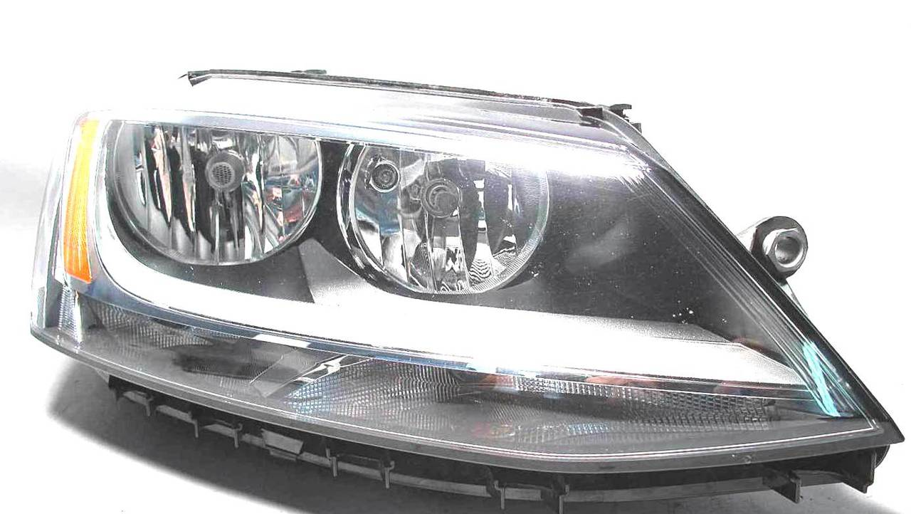 Volkswagen Jetta 2011 2012 2013 2014 2015 2016 right passenger headlight
