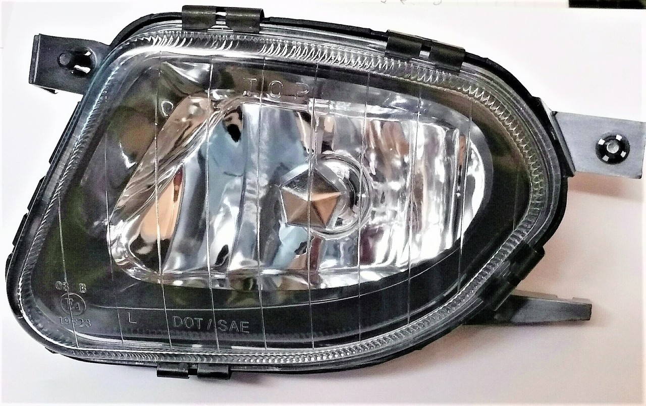 Mercedes Benz E320 E500 sedan & wagon 2003 2004 2005 2006 fog light left driver W211