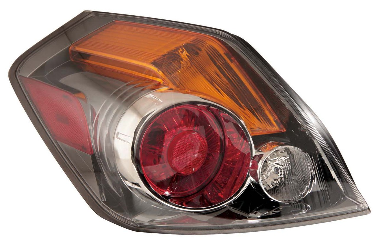 Nissan Altima Sedan 2010 2011 2012 tail light left driver